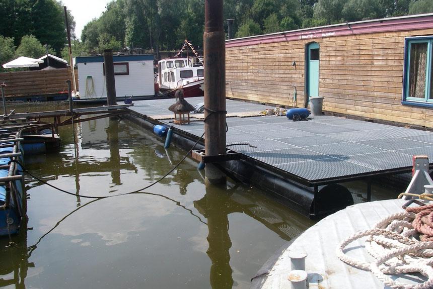 Watersportcentrum Arnhem - Scheepsaanpassingen - 2 Drijvend terras